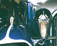 Woodlite headlights on a 1930 Ruxton