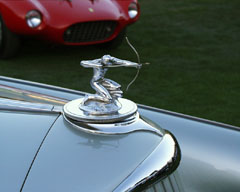 Hood ornament of a Pierce Arrow